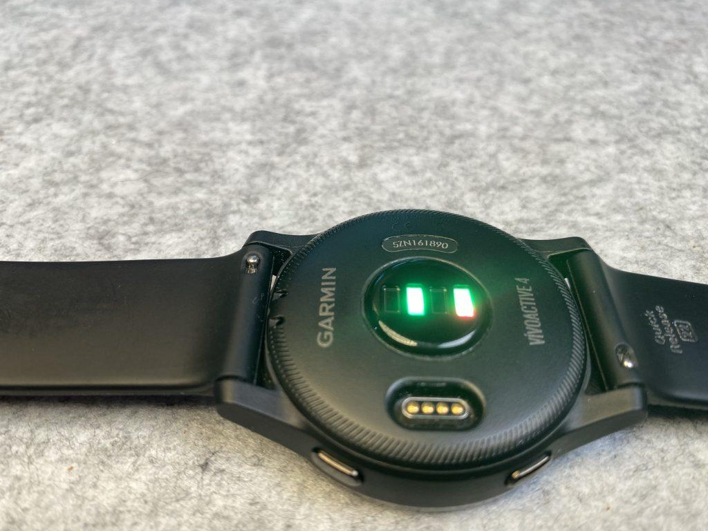 Der optische Sensor auf der Rückseite der Vivoactive 4